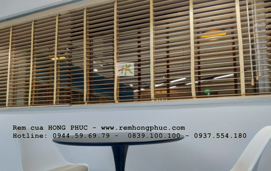 thi-cong-rem-sao-go-van-phong-scj-rem-hong-phuc-tphcm (6)-min