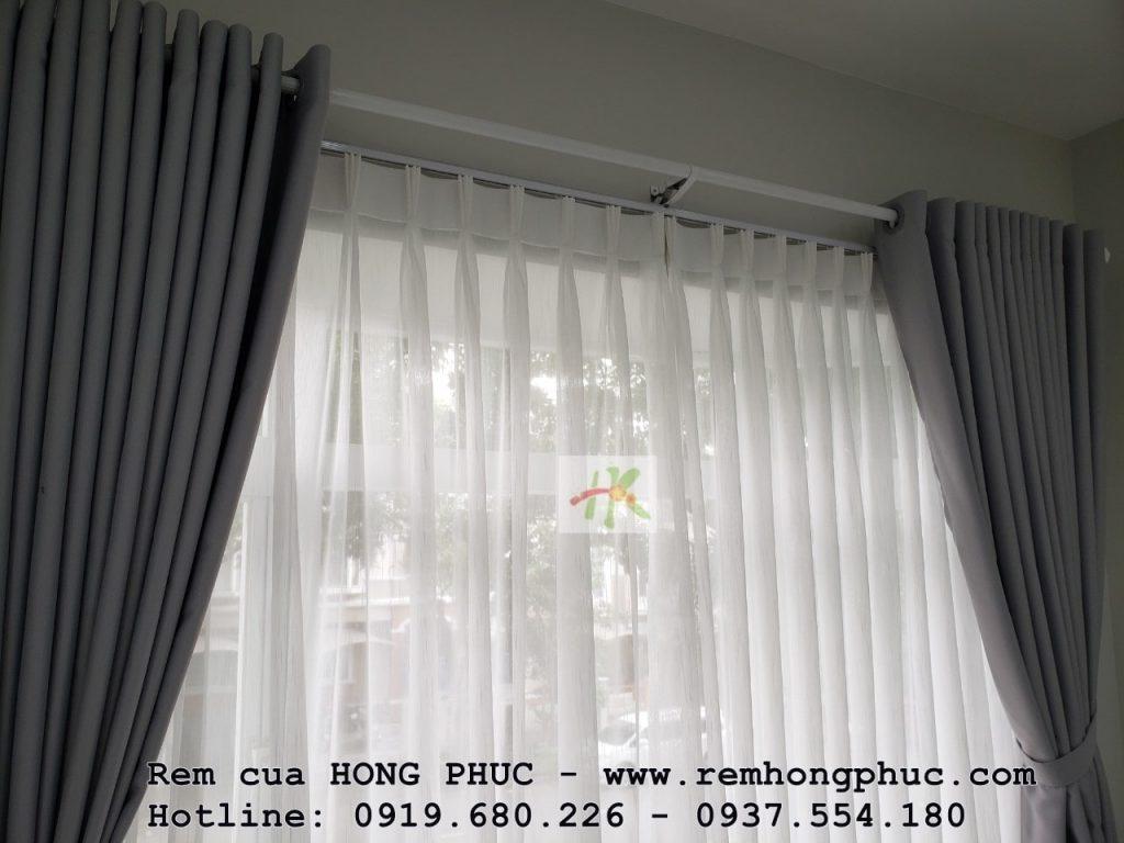cong-trinh-thi-cong-rem-cua-biet-thu-quan-7-hong-phuc-tphcm (2)-min