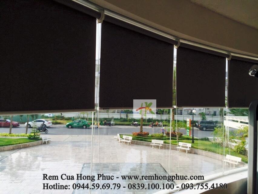 man-rem-sao-cuon-chong-nang-phong-tap-gym-gia-re-tphcm (5)