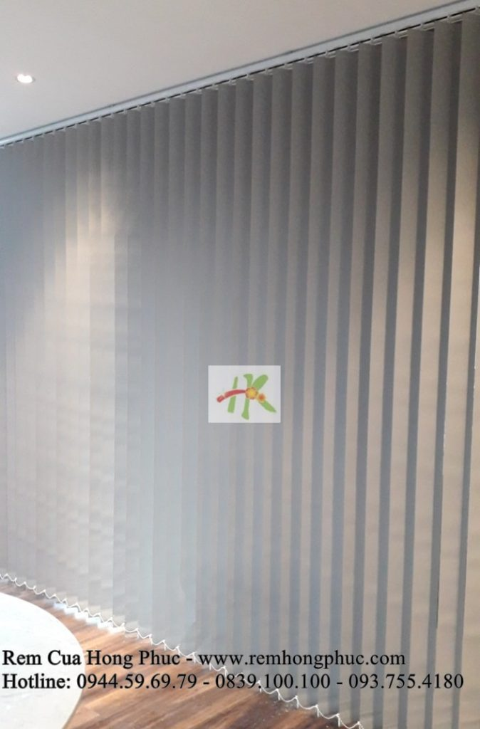 man-rem-sao-dung-van-phong-vertical-blinds-gia-re-hong-phuc-tphcm (1)-min