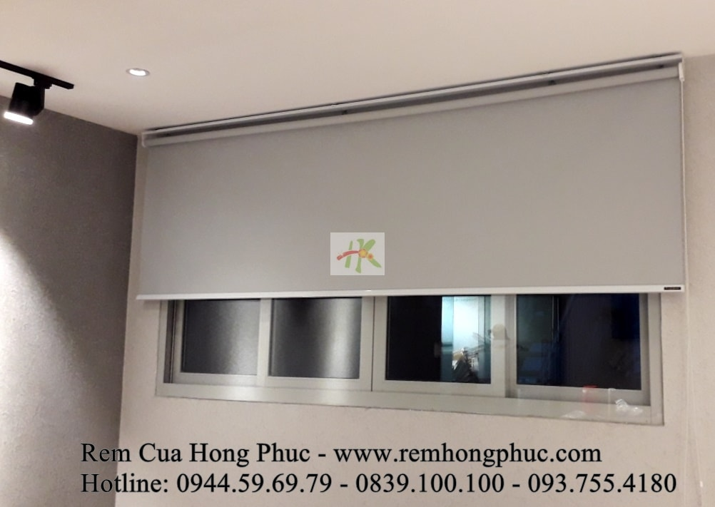 man-rem-sao-dung-van-phong-vertical-blinds-gia-re-hong-phuc-tphcm (2)-min